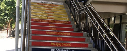 west-moreton-anglican-college-stair-signs_200x500
